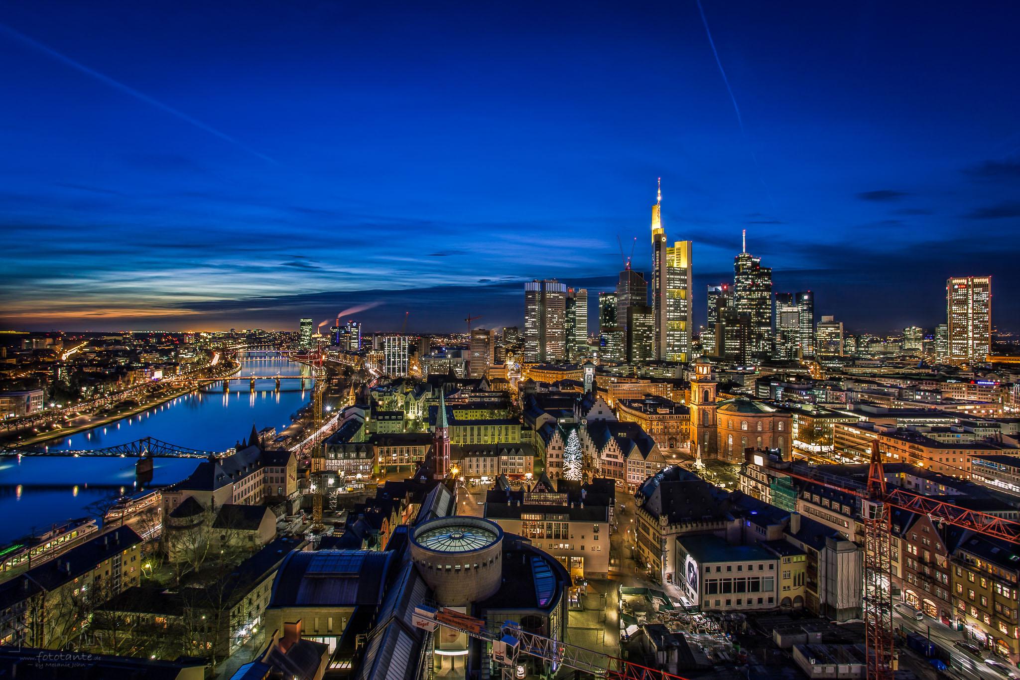 Frankfurt-Skyline-Dom-blaue-Stunde.jpg#asset:1489