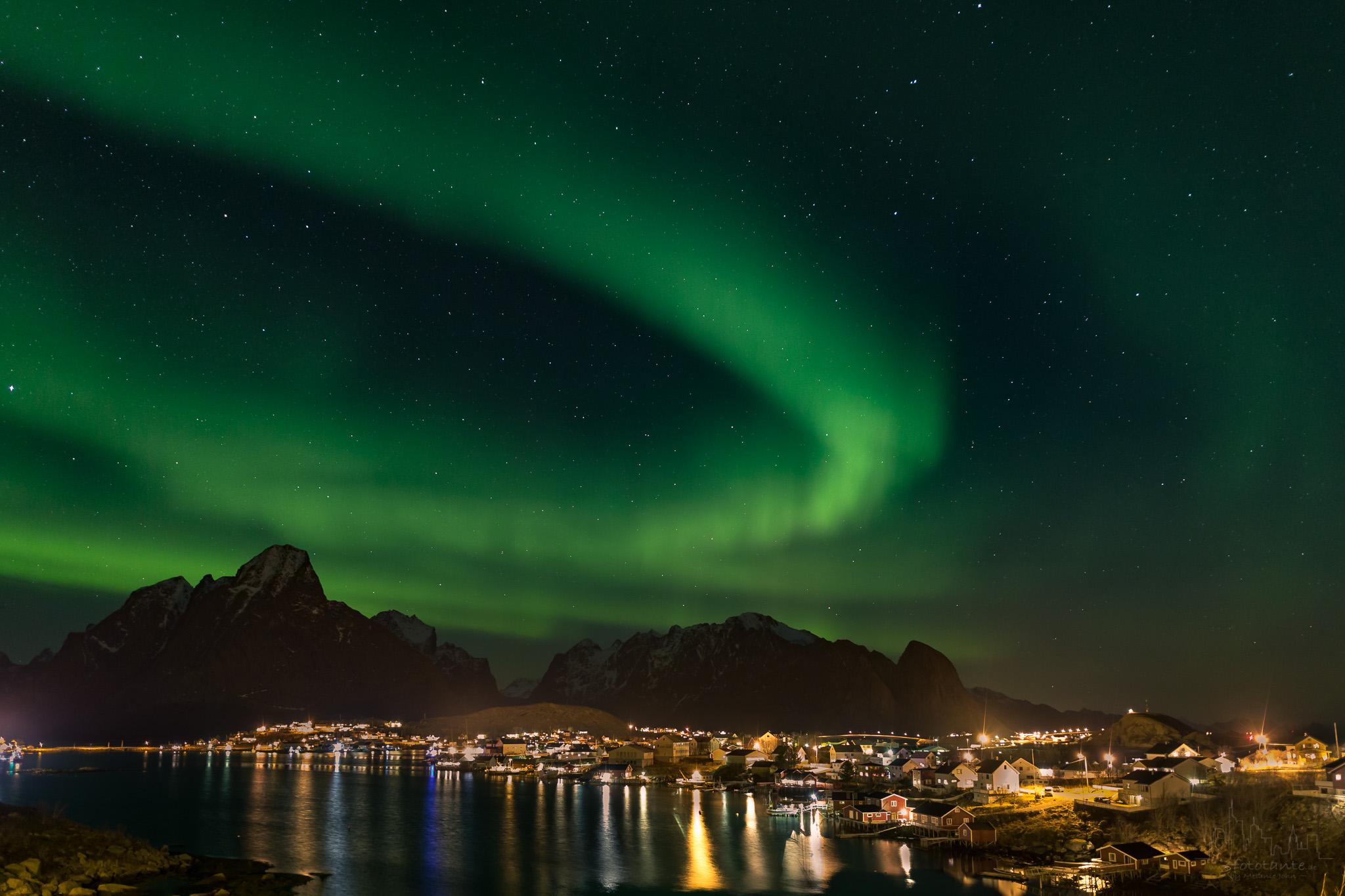 Reine-Lofoten-Nordlicht-Polarnacht.jpg#asset:1504