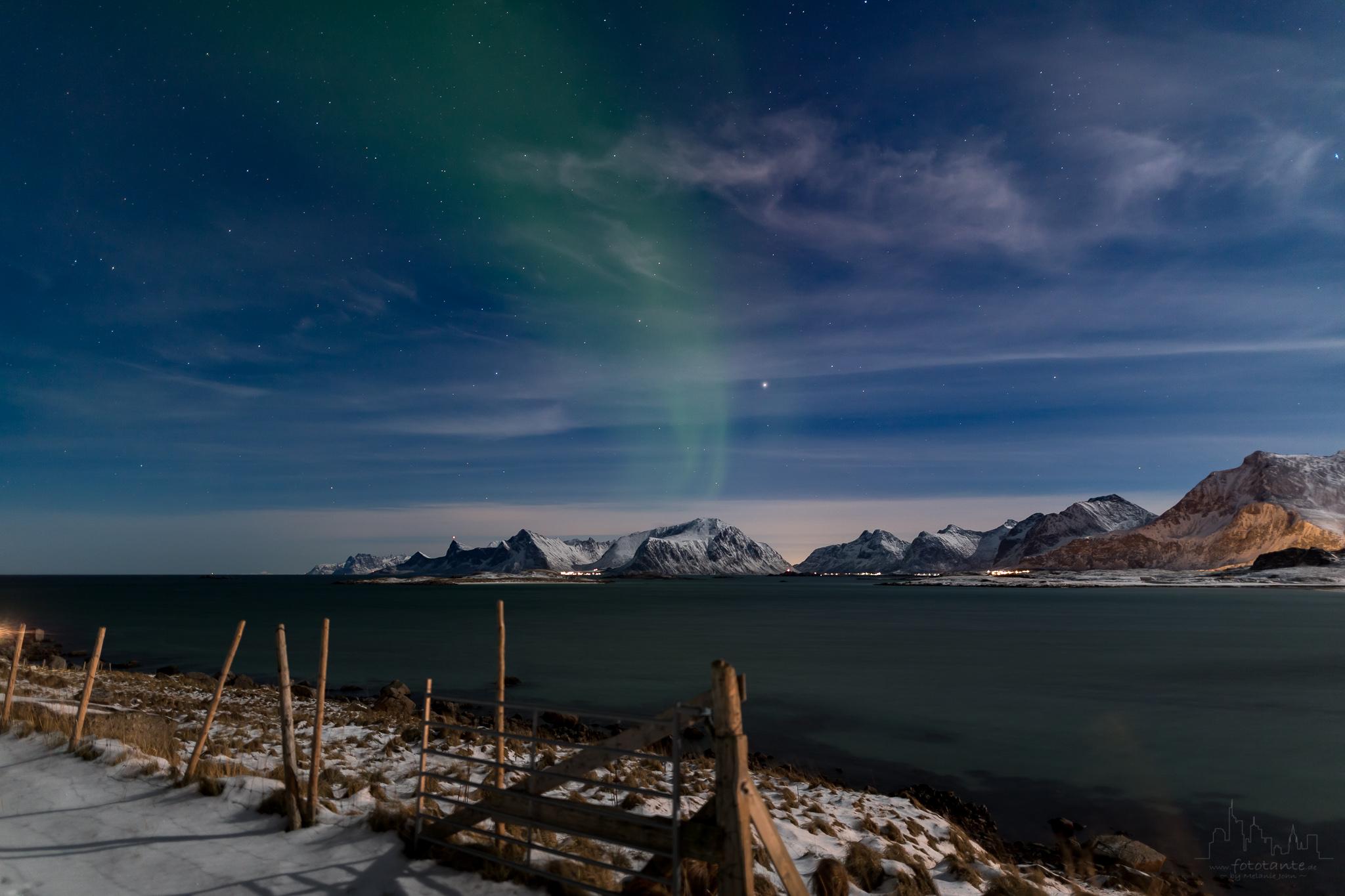 Schwaches-Nordlicht-Lofoten-Polarnacht.jpg#asset:1501
